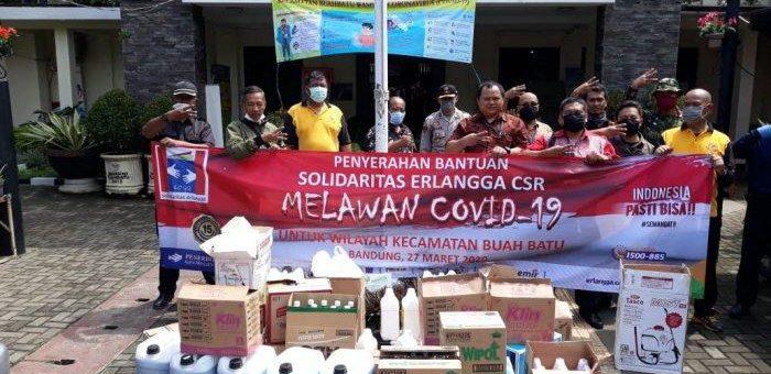 PT Penerbit Erlangga Ikut Cegah Virus Corona, Bagikan Bantuan APD di Kecamatan Buah Batu Bandung