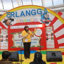 Ibu Siti Maftukah finalis TOTY dari Yogyakarta sedang melakukan aksinya di panggung utama Citos, Jakarta
