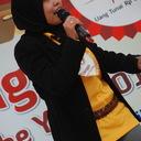 Ibu Menik Dianastiti finalis TOTY dari Surabaya sedang melakukan aksinya di panggung utama Citos, Jakarta