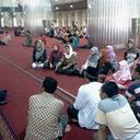 5. mendengarkan sejarah masjid istiqlal