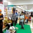 Relaunching dan Bedah Buku Novel Asrama di Atas Haram Gramedia Mall Lembu Suwarna Samarinda