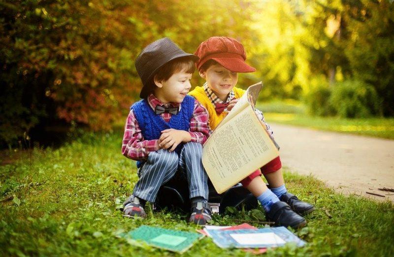 Wajib Tahu! Ini Pentingnya Mengenalkan Literasi pada Anak Sejak Dini